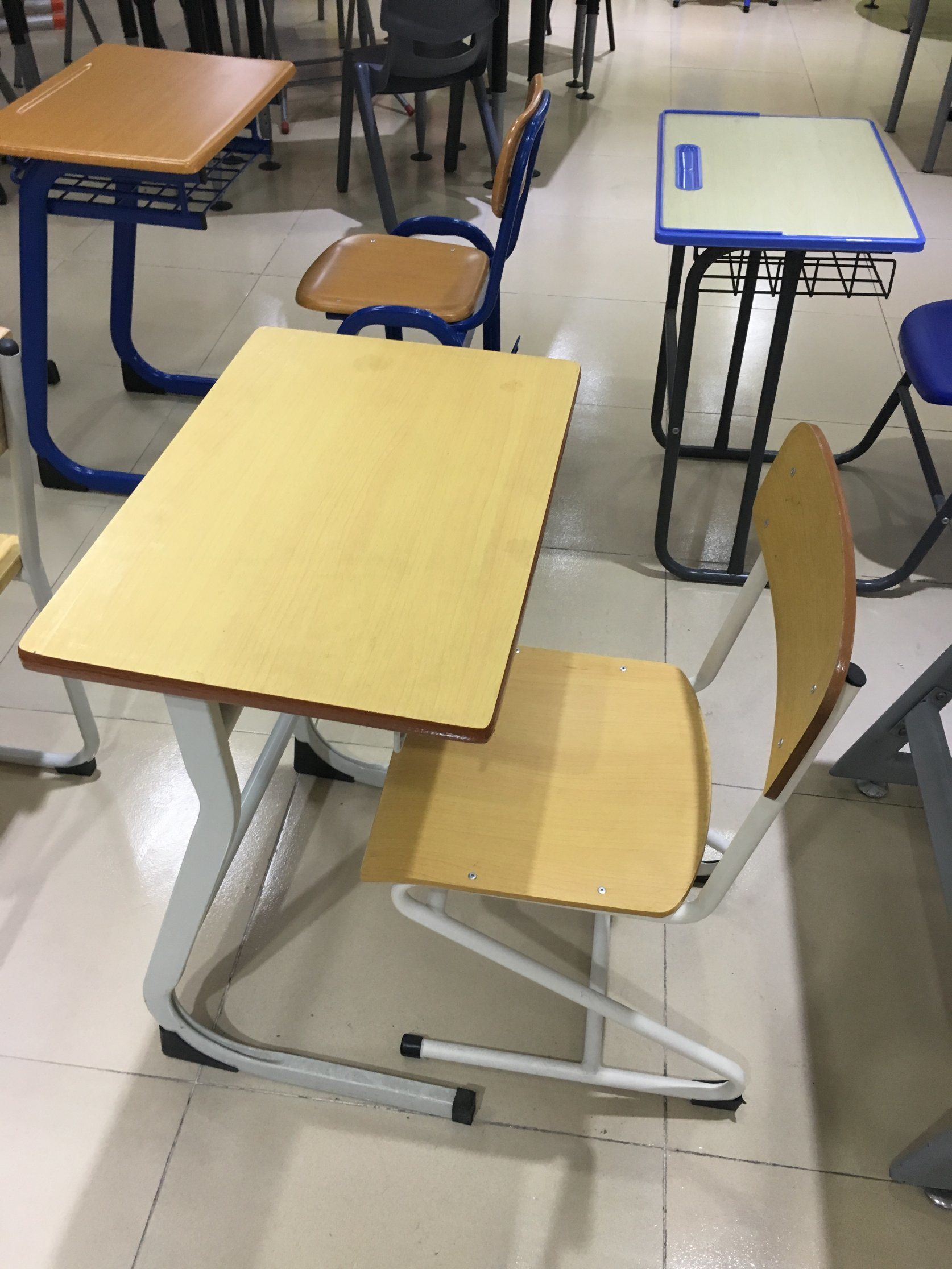 Fashion Single School Classroom Student Adjustble Desk with PE Chair