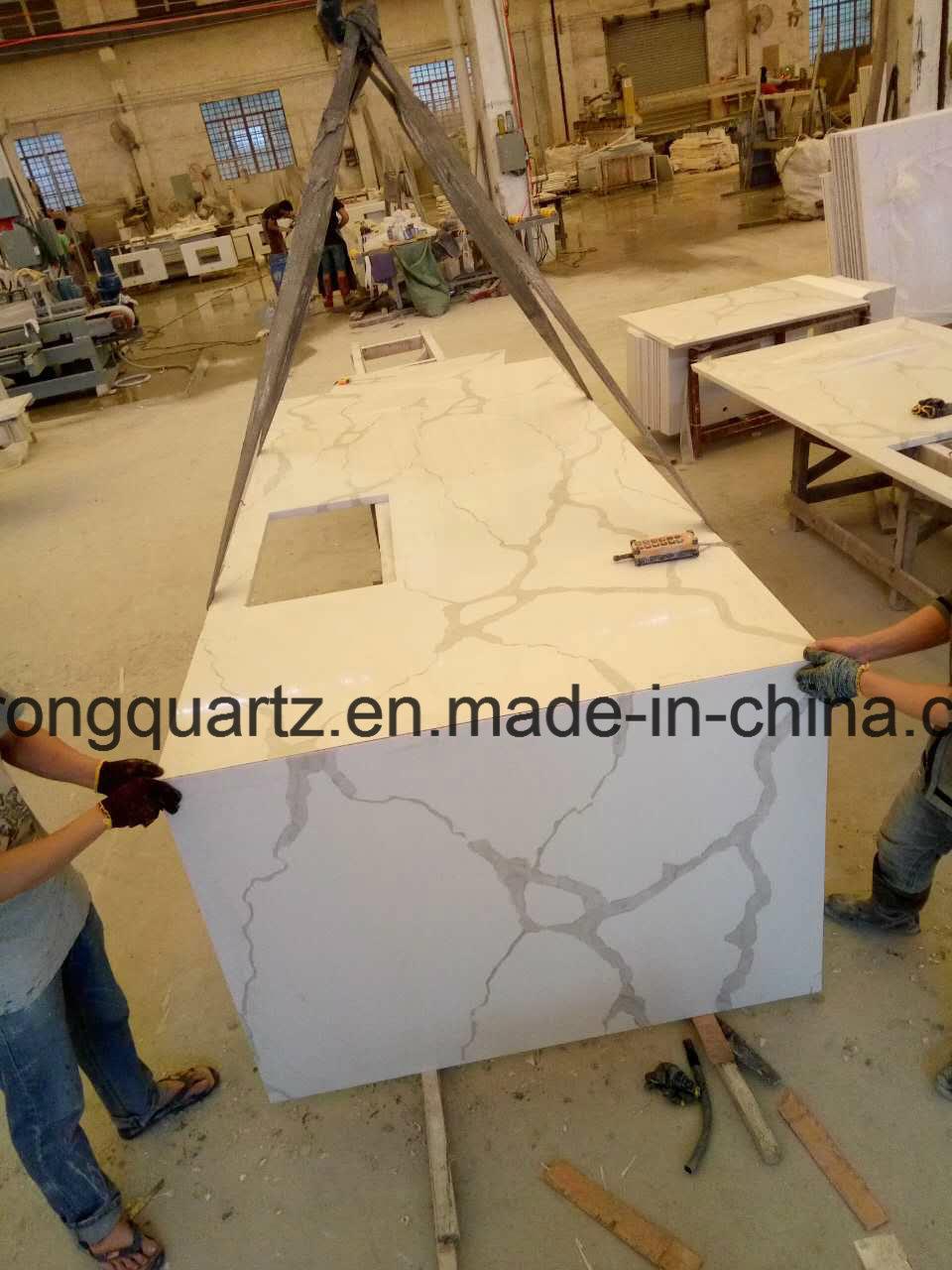 China Italian Calacatta White Quartz Stone Calacatta Gold