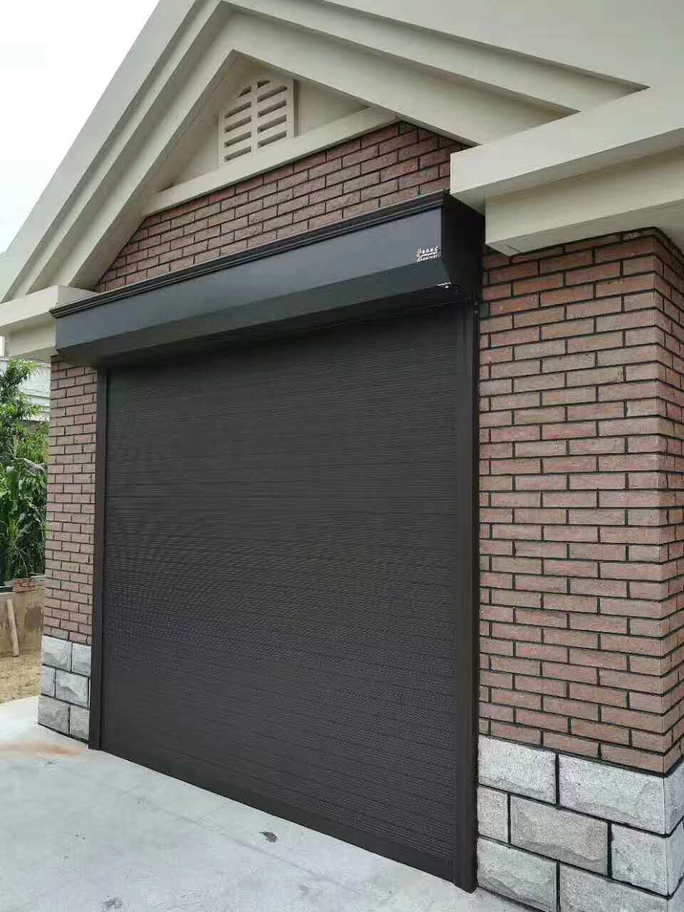 China Commercial Sliding Thermal Insulated Polyurethane Sandwich Safety Security Residential Metal Roller Garage Door China Overhead Door Roller Shutters