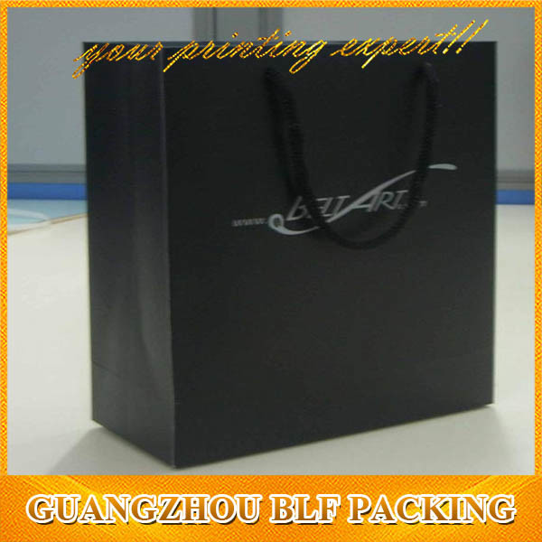 Spot UV Logo Paper Black Gift Bag (BLF-PB312)