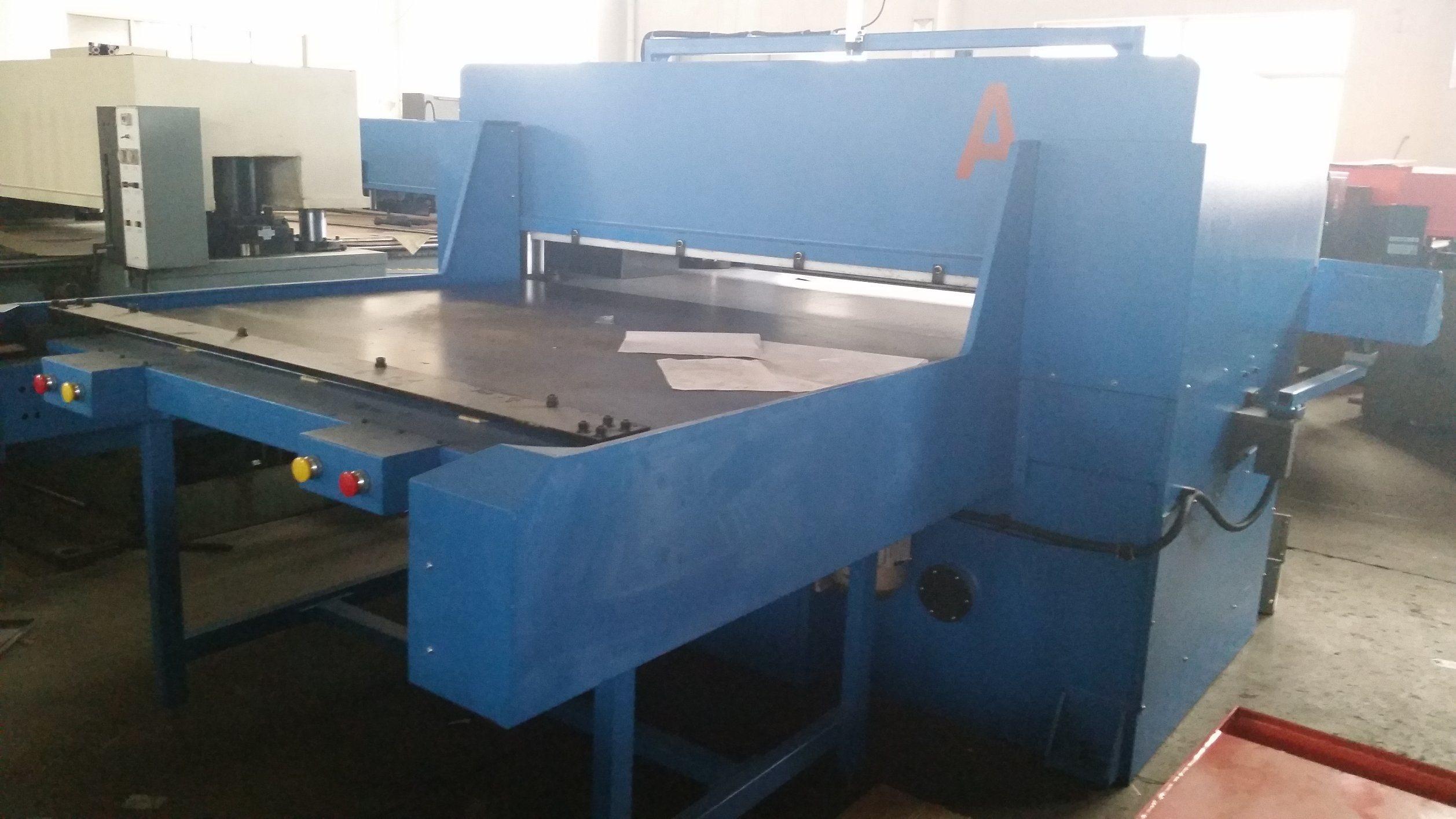 China Automatic Printing Press Cutting Machine