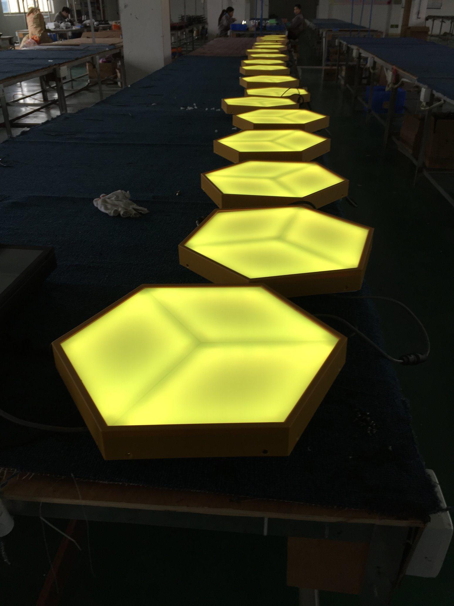 China Best Night Club Decorative Acrylic LED Light 3D Vision Wall ...