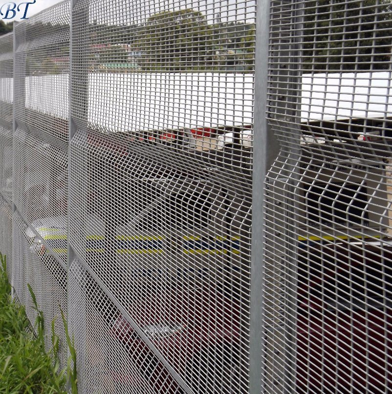 China Stainless Steel 358 Welded Wire Mesh Security Fence Photos ...