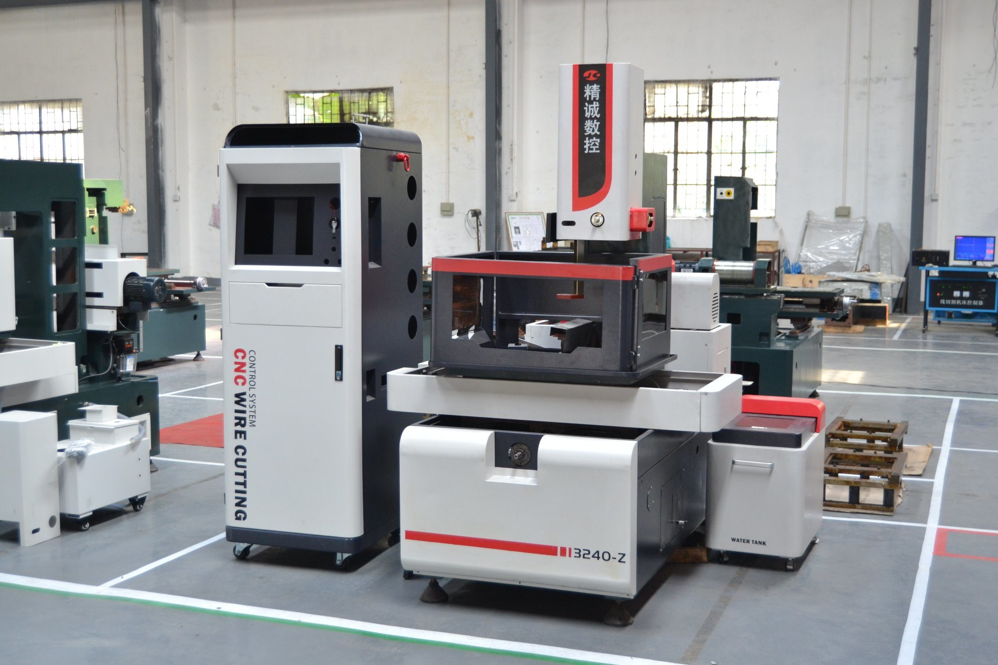 China New Desinged Low Cost CNC Wire Cut EDM Machine - China Wire ...