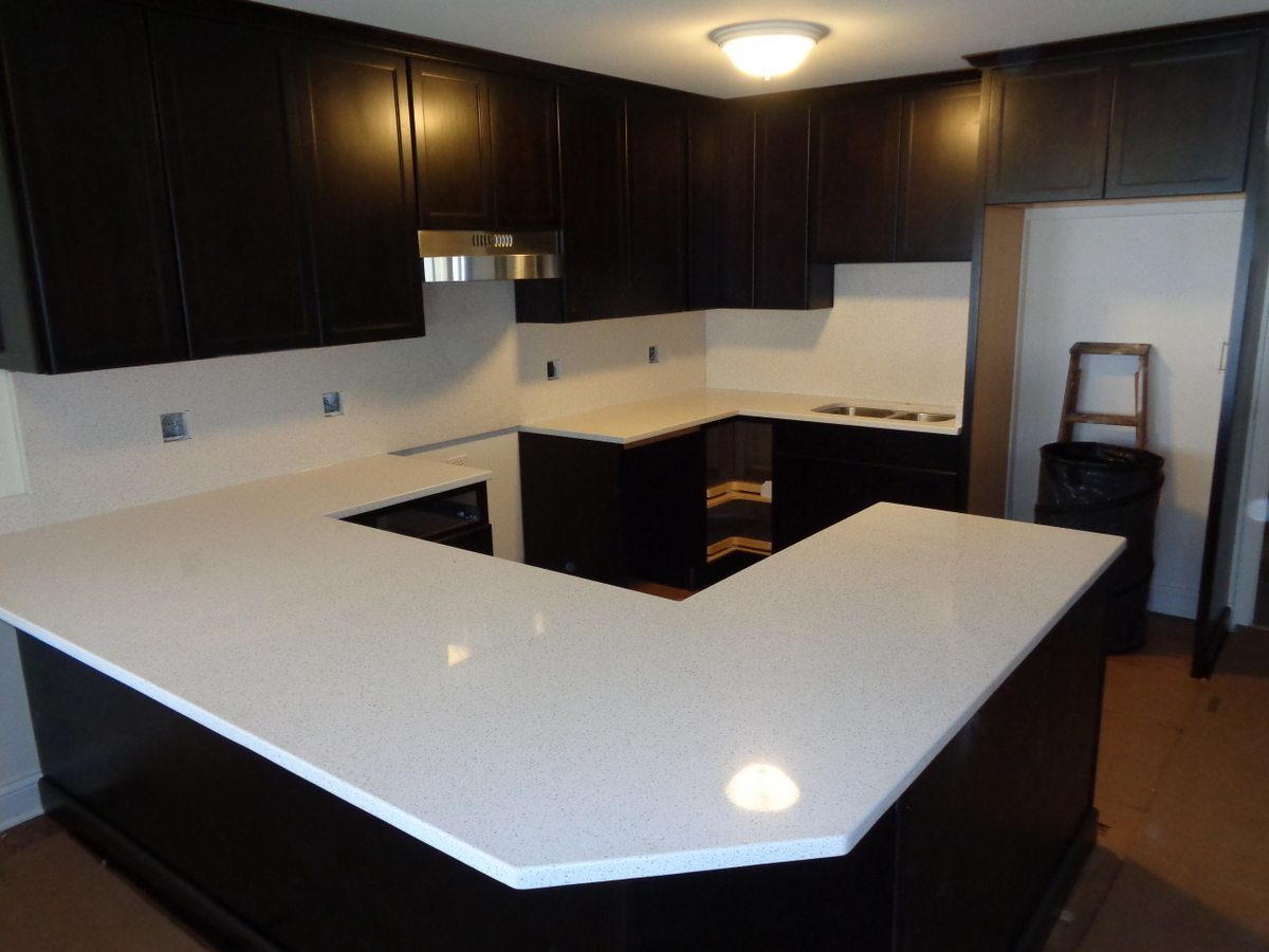 [Hot Item] White Graniy Kitchen Stone Bench Tops /Table Top/Work Benches