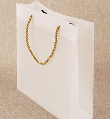 China Plastic Transparent Trosted Gift Bag Shopping Bag - China Bag ... 368e37f2cc