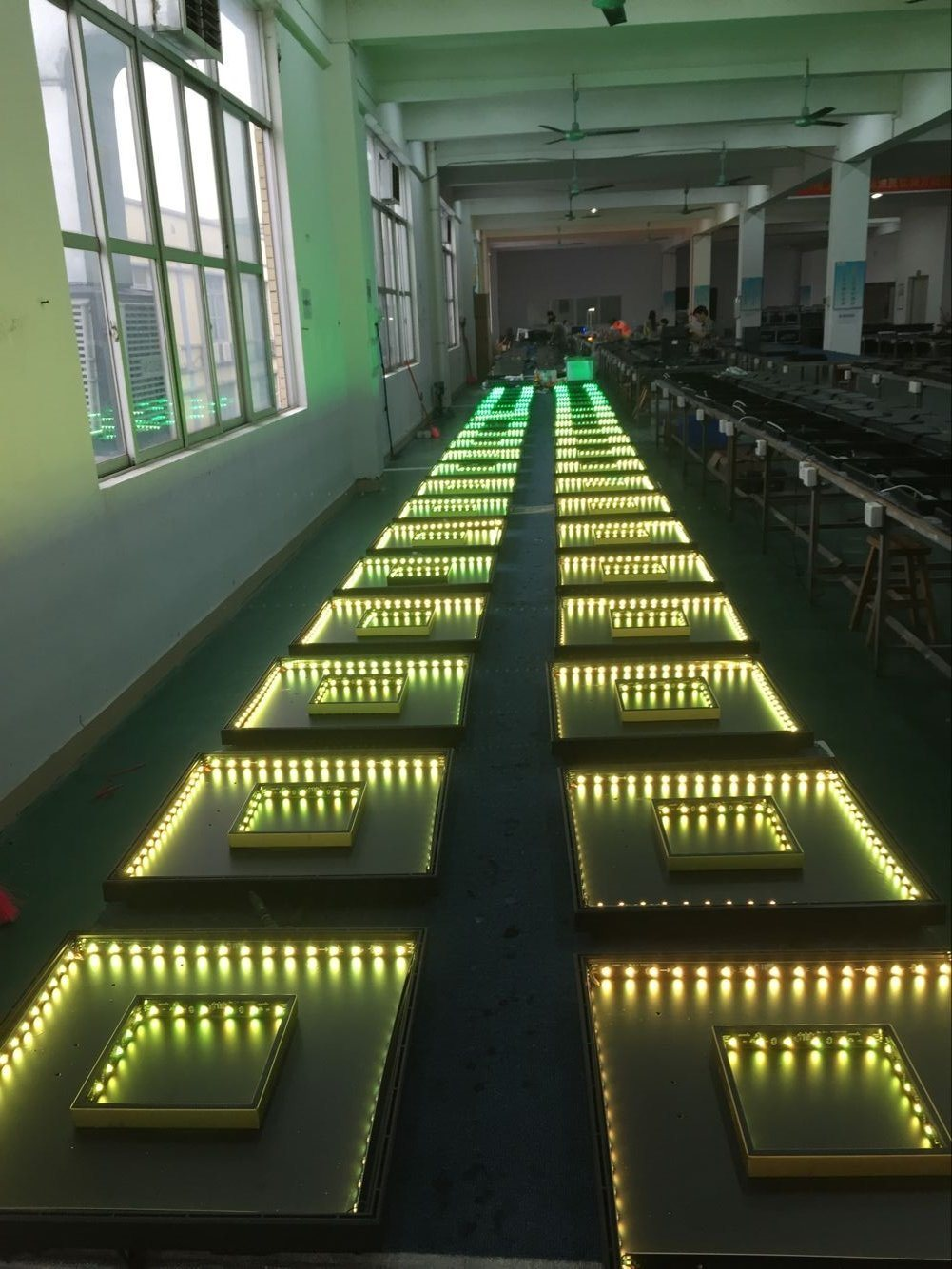 China 3D Illusion Infinity Mirror Dancing Flooring Tile for Wedding ...
