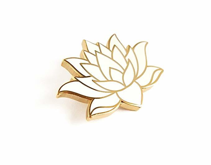China Hot Selling Custom White Lotus Flower Shape Hard Enamel Lapel