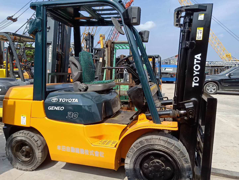 [Hot Item] Used 3ton Diesel Forklift / Used Toyota Forklift 3ton