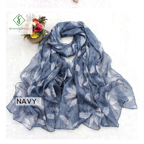 2018 New Dyed Shawl Printed with Feather Fashion Lady Silk Scarf pictures & photos