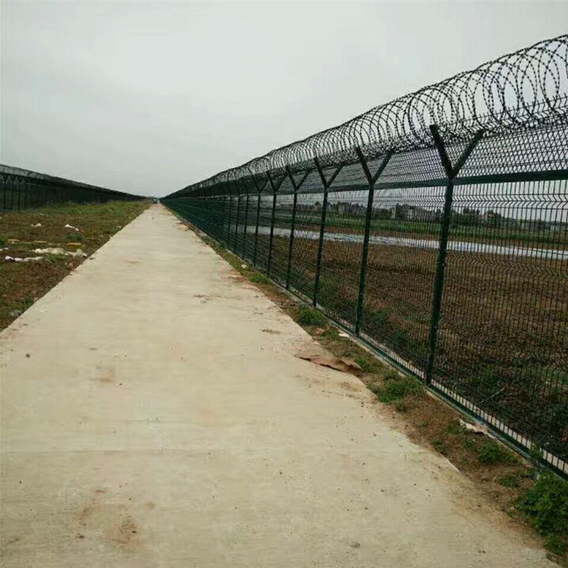 China Welded Wire Mesh Fence /PVC Coated Wire Mesh Fence/Metal ...
