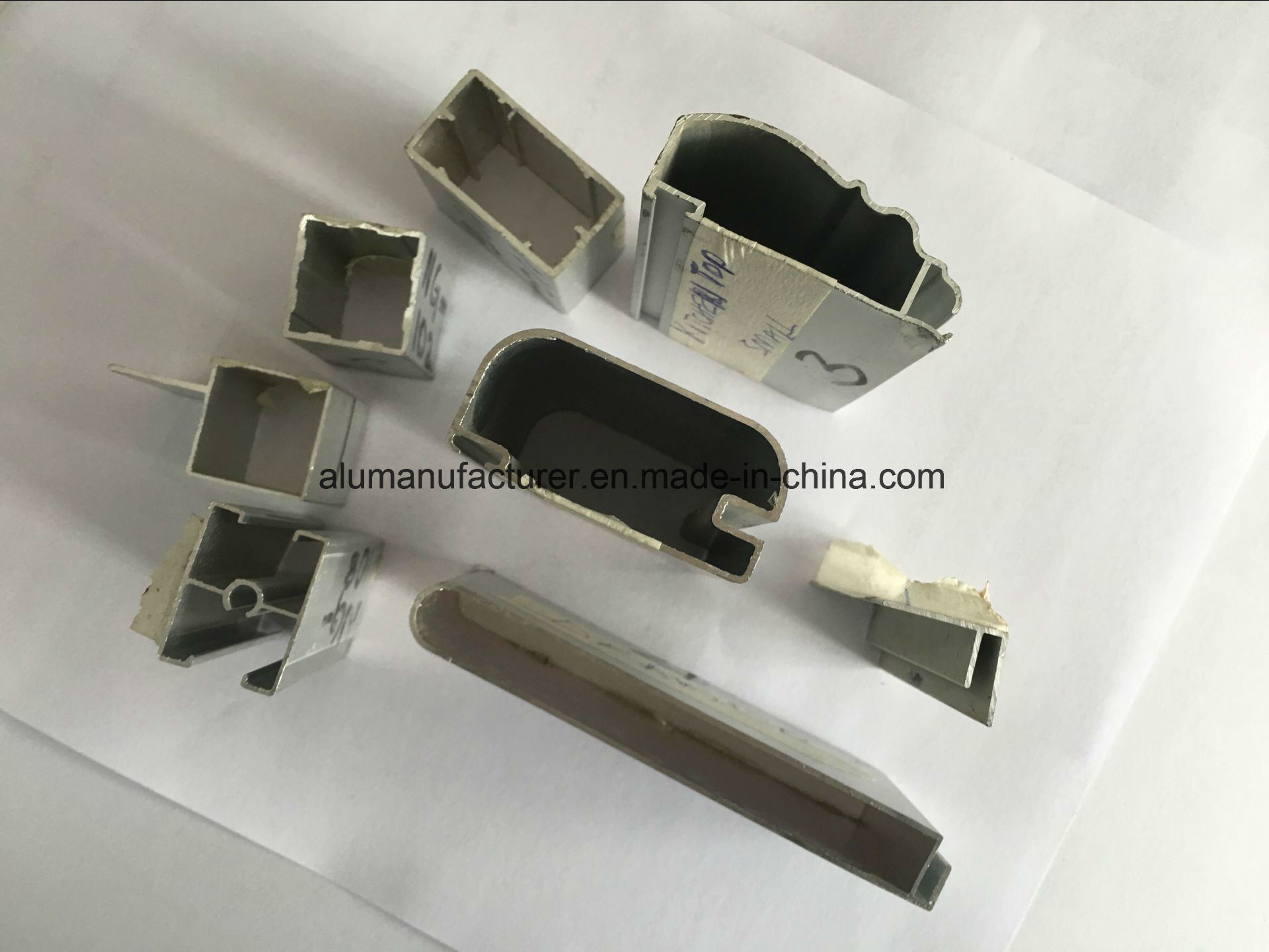 Liberia Aluminium Alloy Extrusion Profile for Door and Window pictures & photos