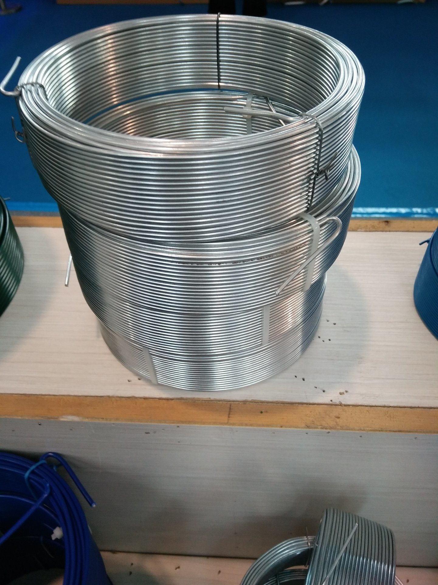 China Small Coil Fine Lined PVC Coated Wire for Supermarket Photos ...
