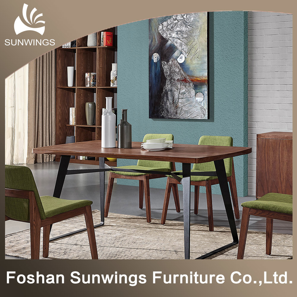 Hot Item The Nordic Wrought Iron Solid Wood Dining Table