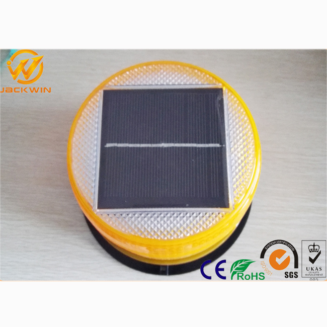Solar Powered LED Amber Warning Lights with High Intensity Sensor pictures & photos