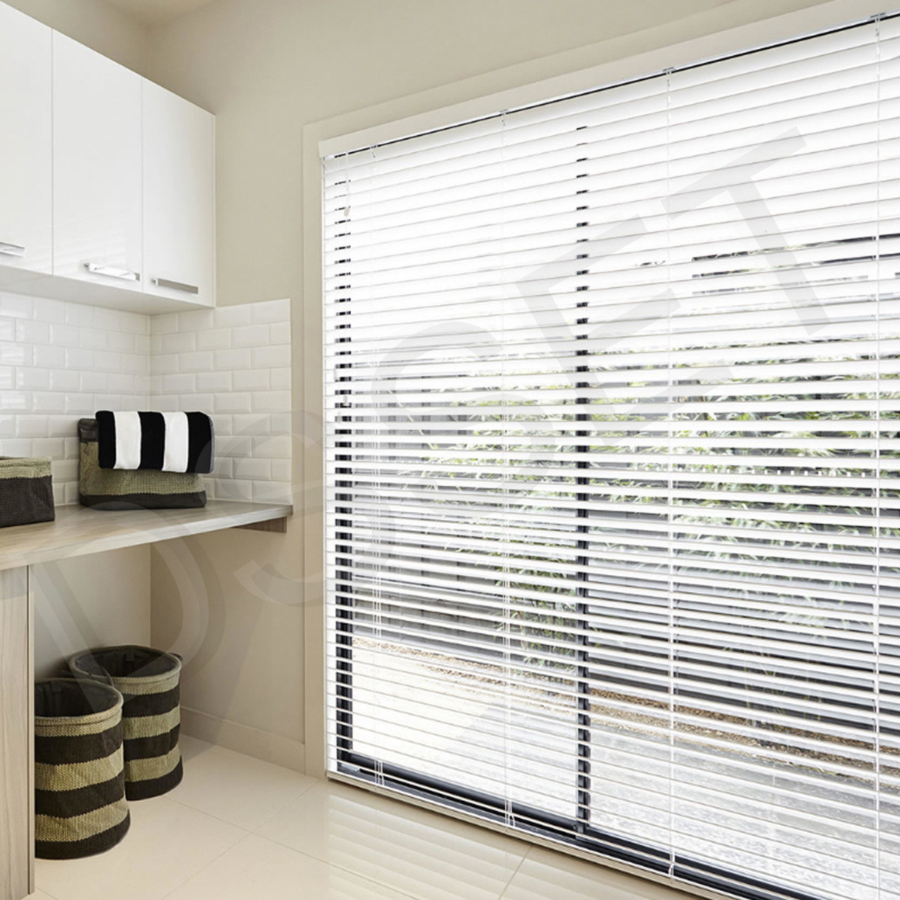 China Smart Blind Motor Electric Venetian Blinds Automatic Window Shades China Venetian Blind Smart Blind Motor Electric