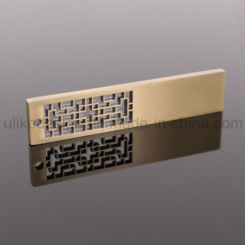 Unique Style Golden USB Flash Drive (UL-M013) pictures & photos