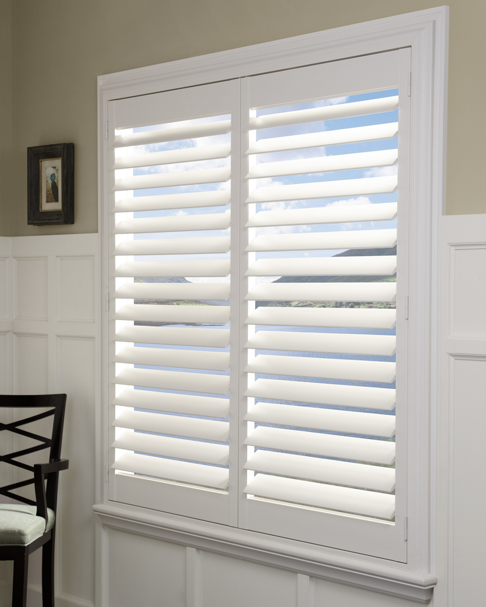 Hot Item Easy Install Good Quality Interior Wood Window Plantation Shutters