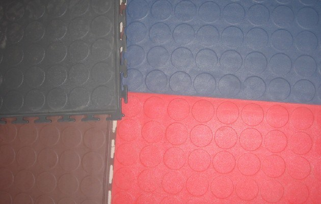 China Interlocking Pvc Garage Floor Tiles With Blind