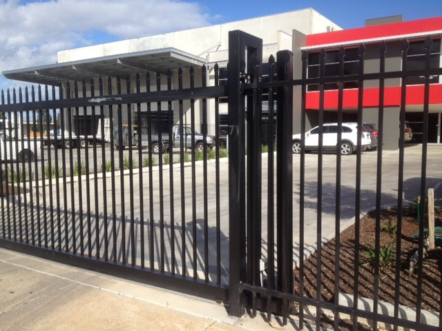 Australia Standard, Powder Coated, Automatic Sliding Steel Gate pictures & photos