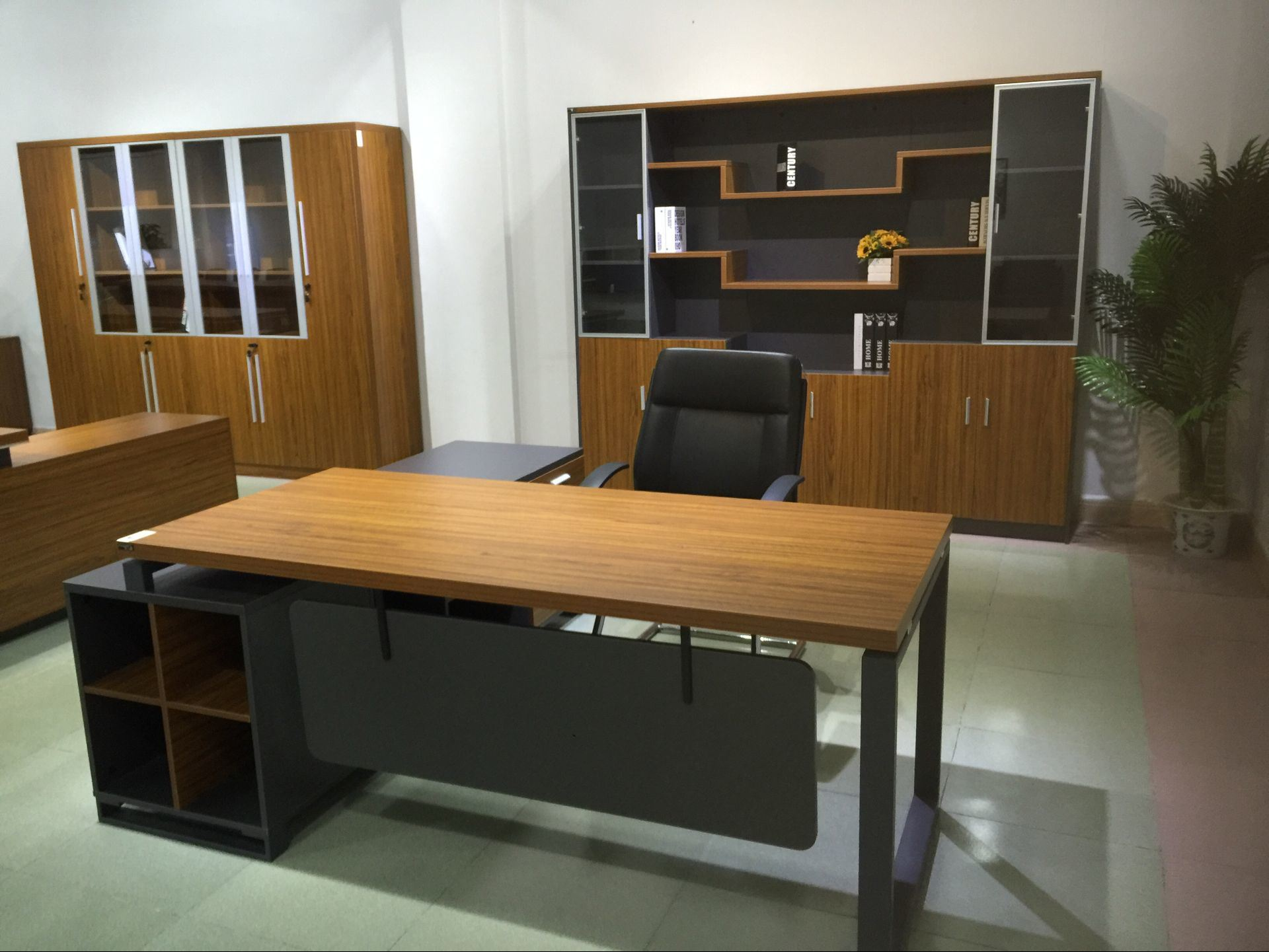 [Hot Item] Stylish Office Desk with Modesty Panel Popular in United States