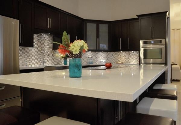 China Artificial Quartz Stone For Table Top Kitchen Countertop