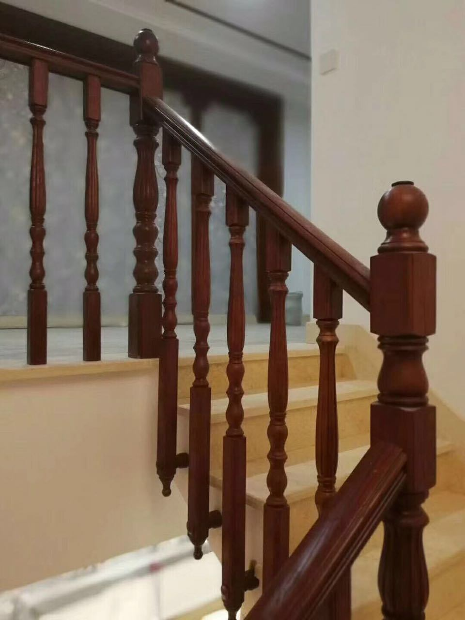 China High Quality Clic Indoor Wooden Staircase Handrail Stairway