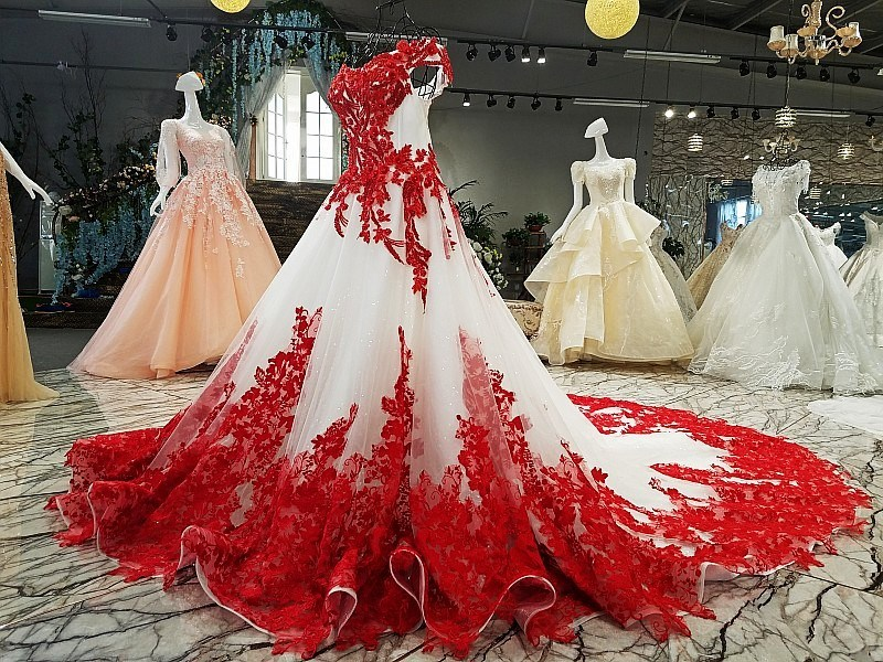 China Lace Wedding Ball Gown Red Ivory Bridal Wedding Dress Ld1162