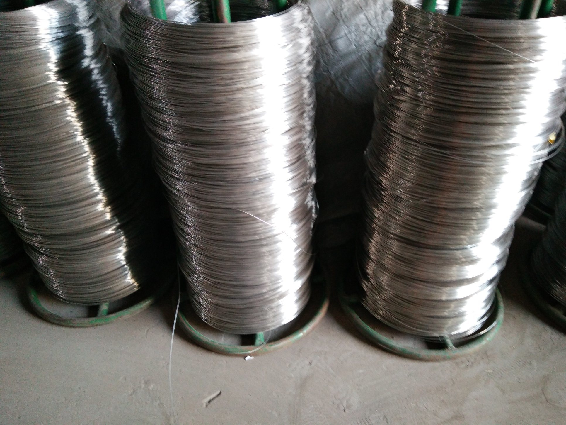 China Stainless Steel 302 304 316 316l Fine Wire 0 25 2