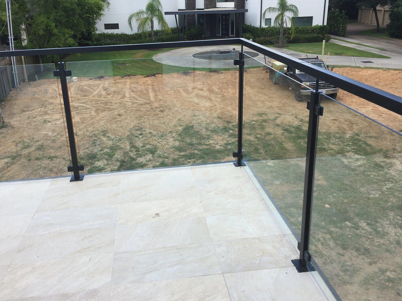 China Cheap Iron Grill Design For Veranda Railing With Glass Panel
