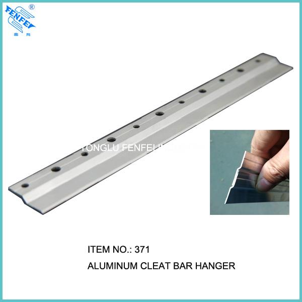 China Heavy Aluminum Z Bar Cleat Hanger 372