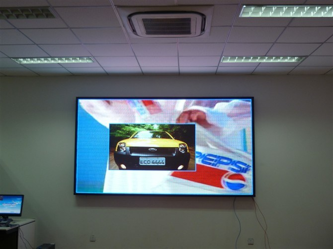 HD P2.5, P3, P4, P5, P6, P7.62, P10 Indoor SMD Full Color LED Display Screen pictures & photos