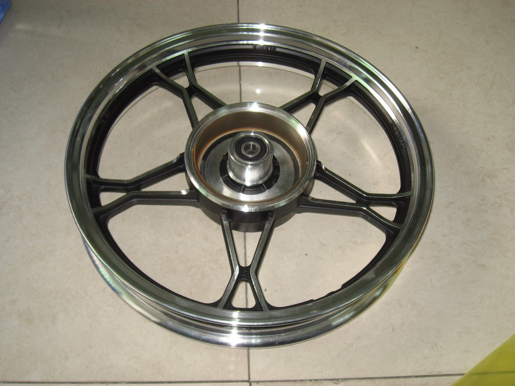 Yog Motorcycle Parts Motorcycle Rear Alloy Wheel Rim Gn125h/2.15-16 pictures & photos