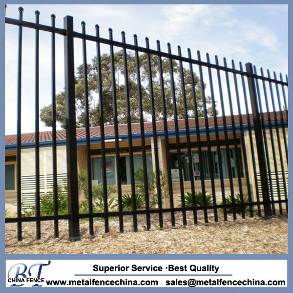 China Residential Iron Metal Fence Panels Photos & Pictures