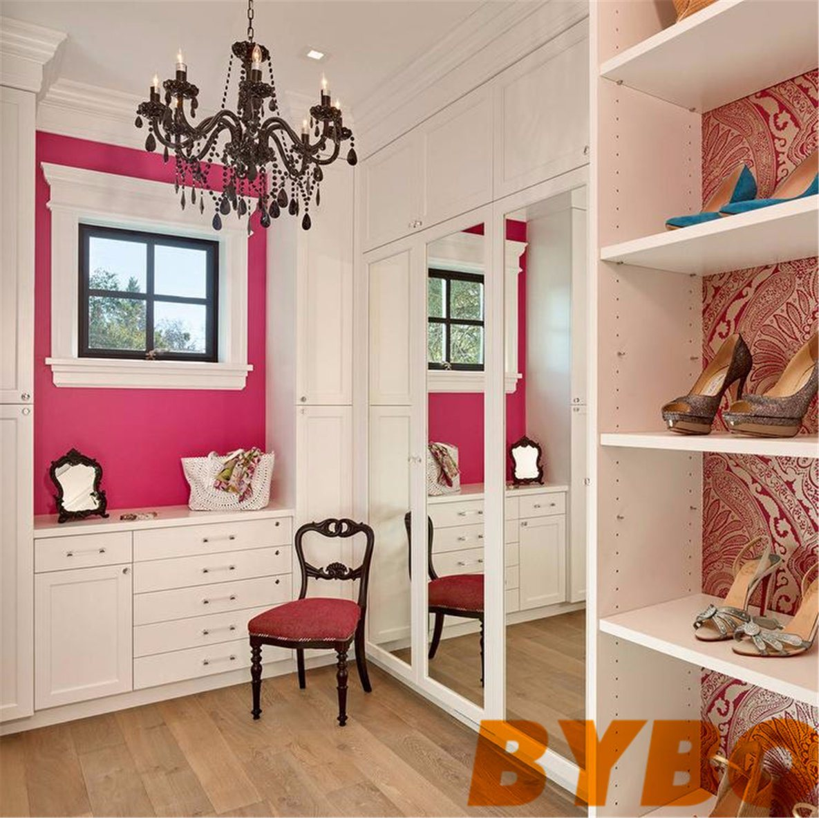 China Hot Pink Walk In Closet With Black Beaded Chandelier