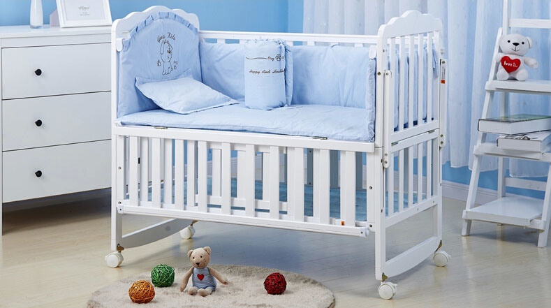 China New Style Swing Baby Bed Baby Crib Can Be Changed Study