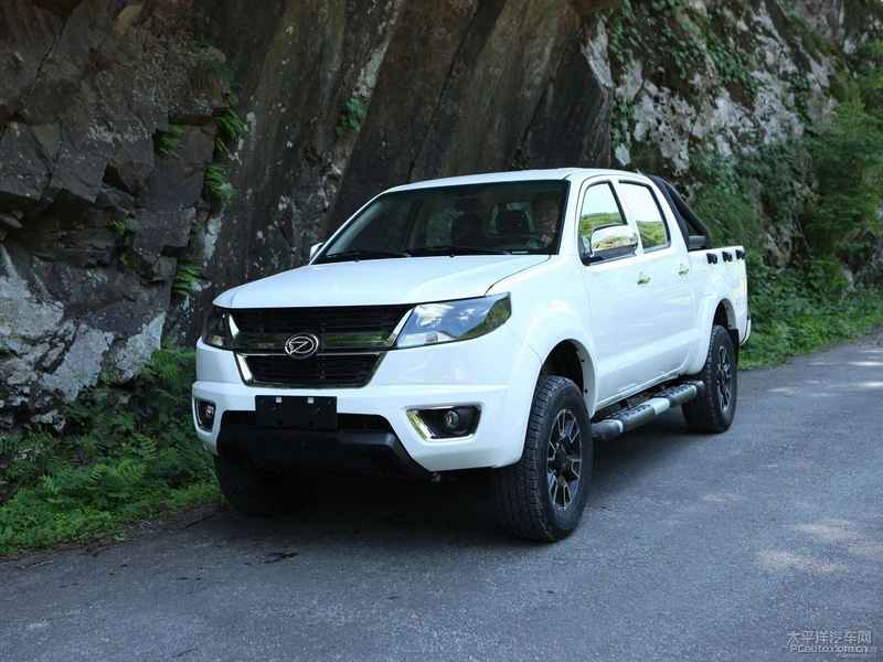 [Hot Item] China Best Sale off-Road 4 Wheel Driving Diesel Pickup Truck  with Isuzu Engine