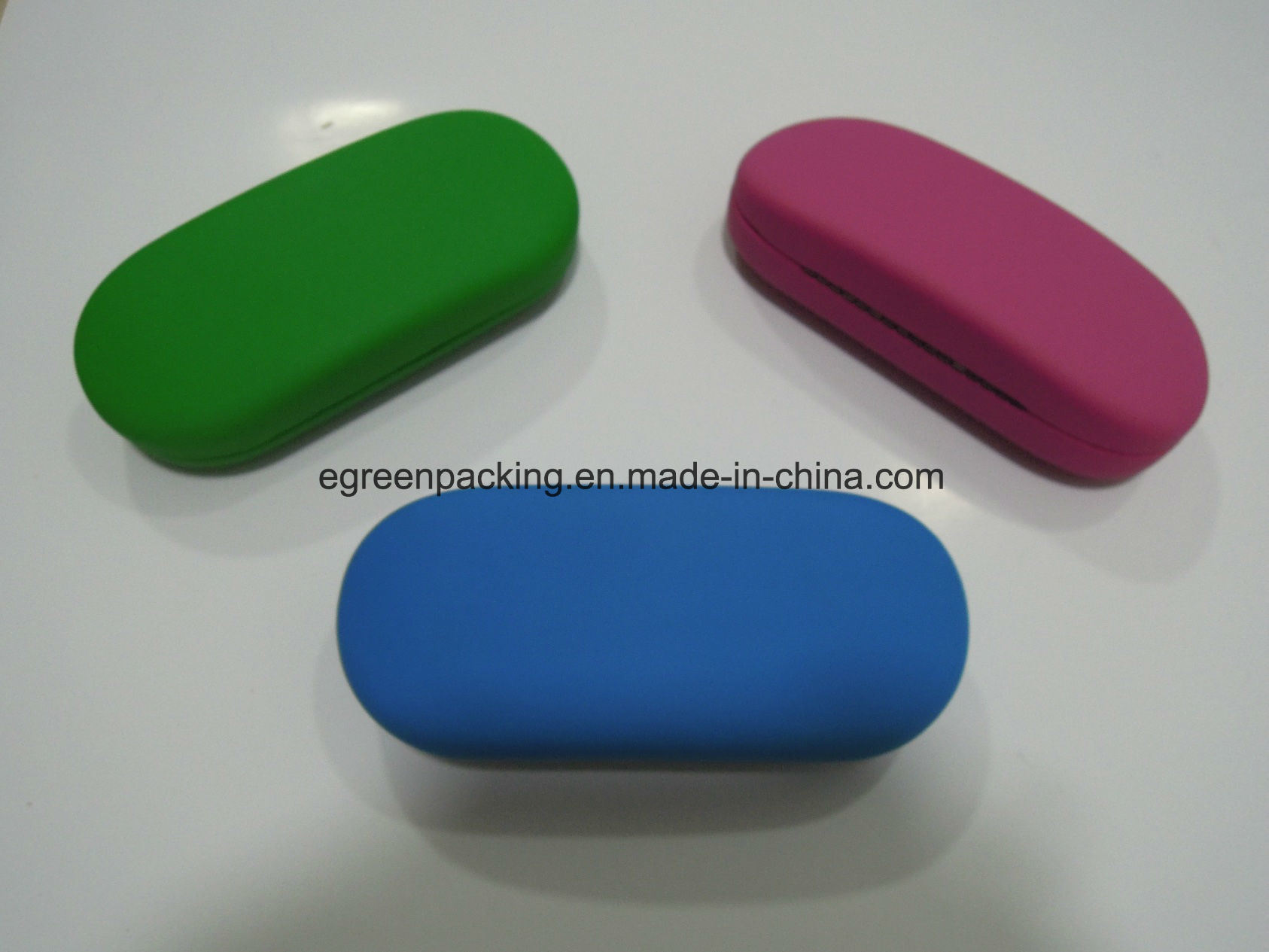 Iron Eyeglasses Case Covered Silk Leather in Various Color (SP5) pictures & photos