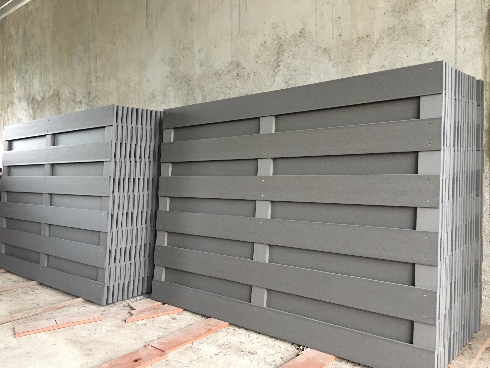 China Eco-Friendly Wood Plastic Composite Fence and