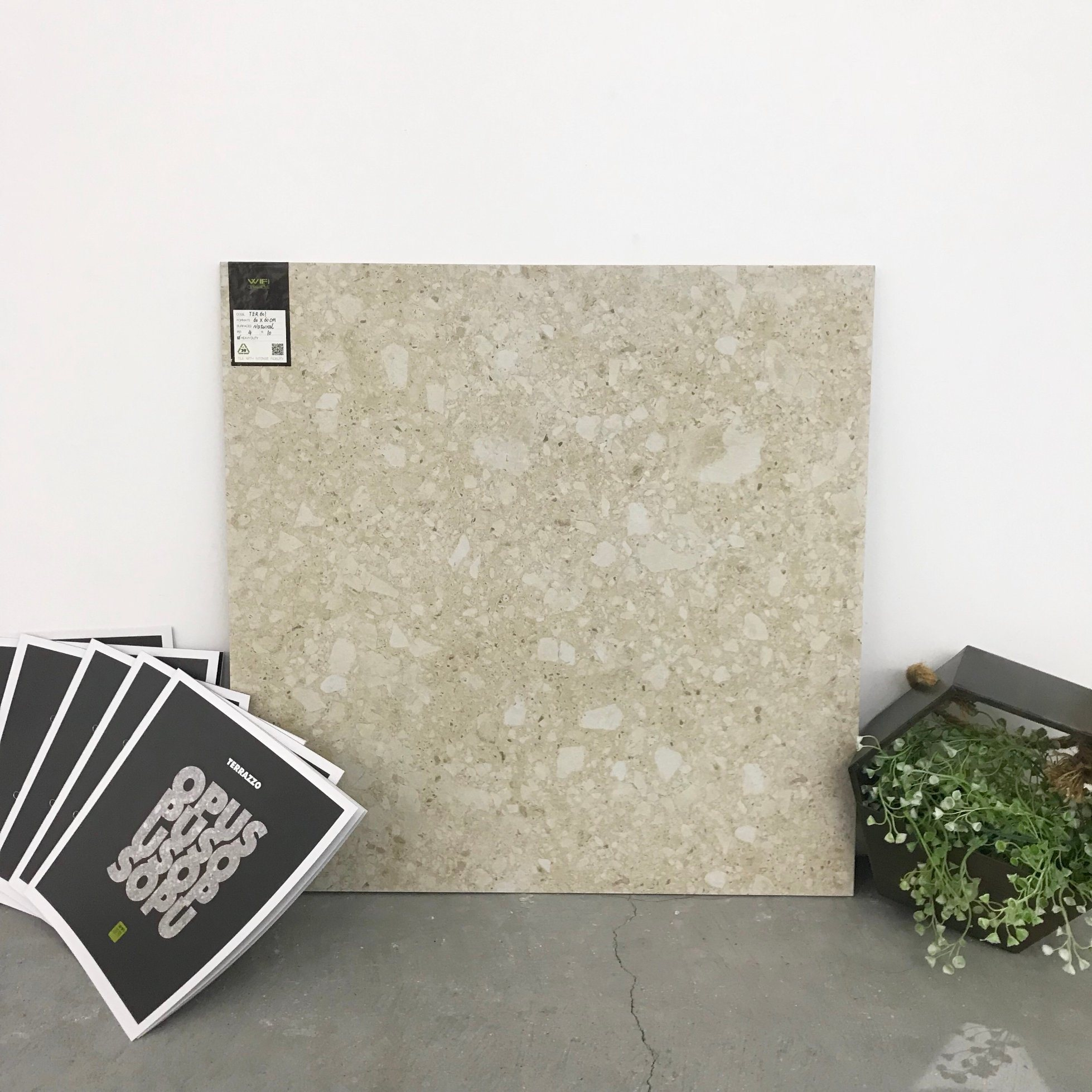 China Interior Construction Building Materials Floor and Wall Tile ...