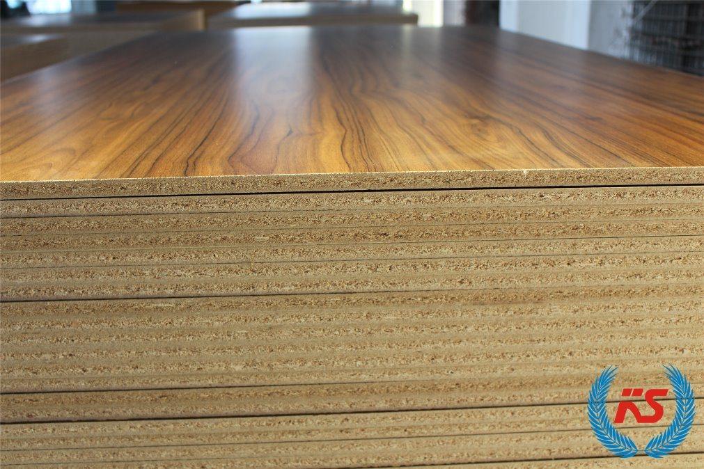 China 9mm 15mm 18mm Red Oak Walnut Burma Teak Veneer Laminated Mdf Melamine Faced Plywood