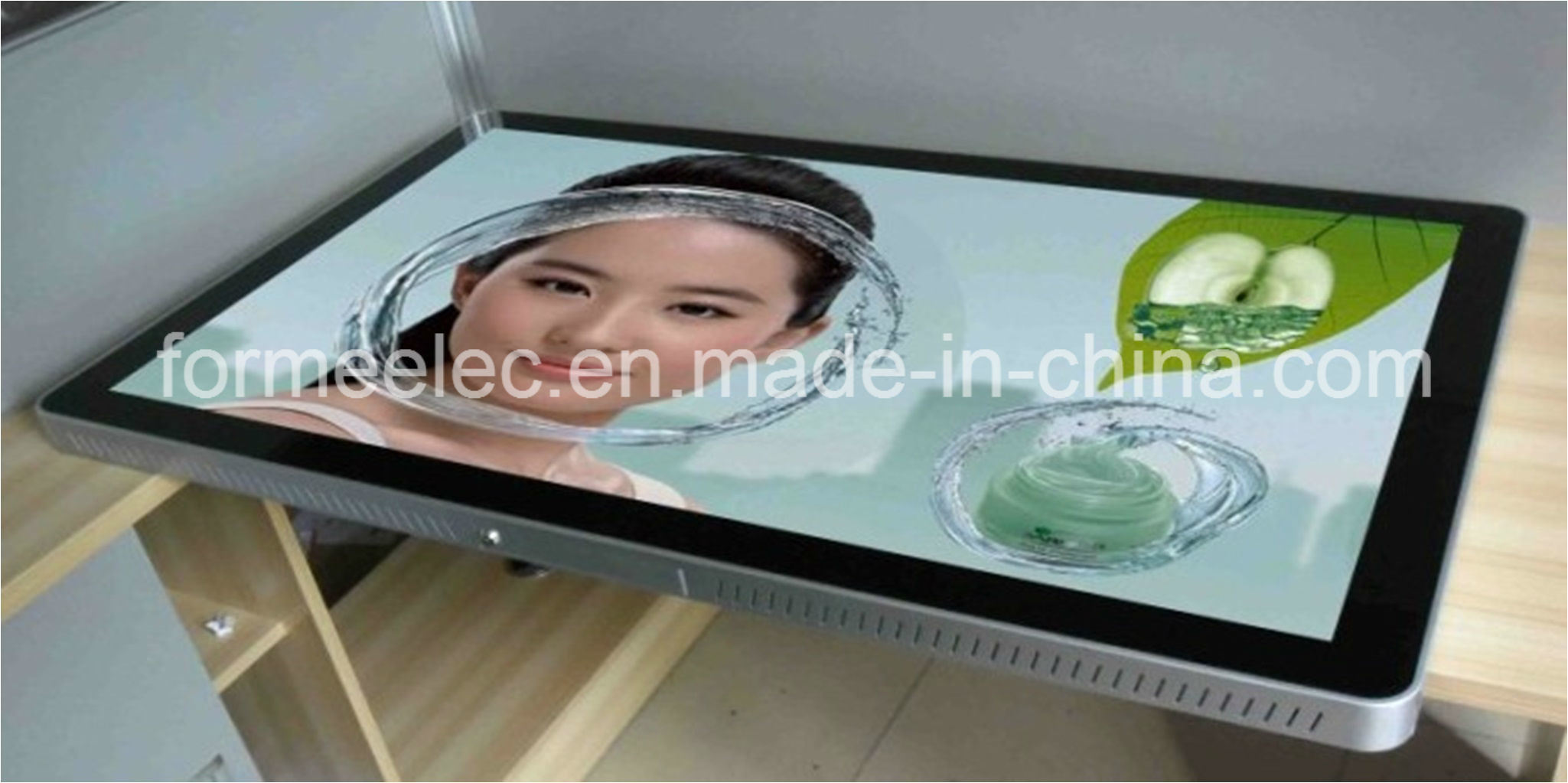 "55"" LCD Advertising Display 500 Nits Advertising Machine Media Player"