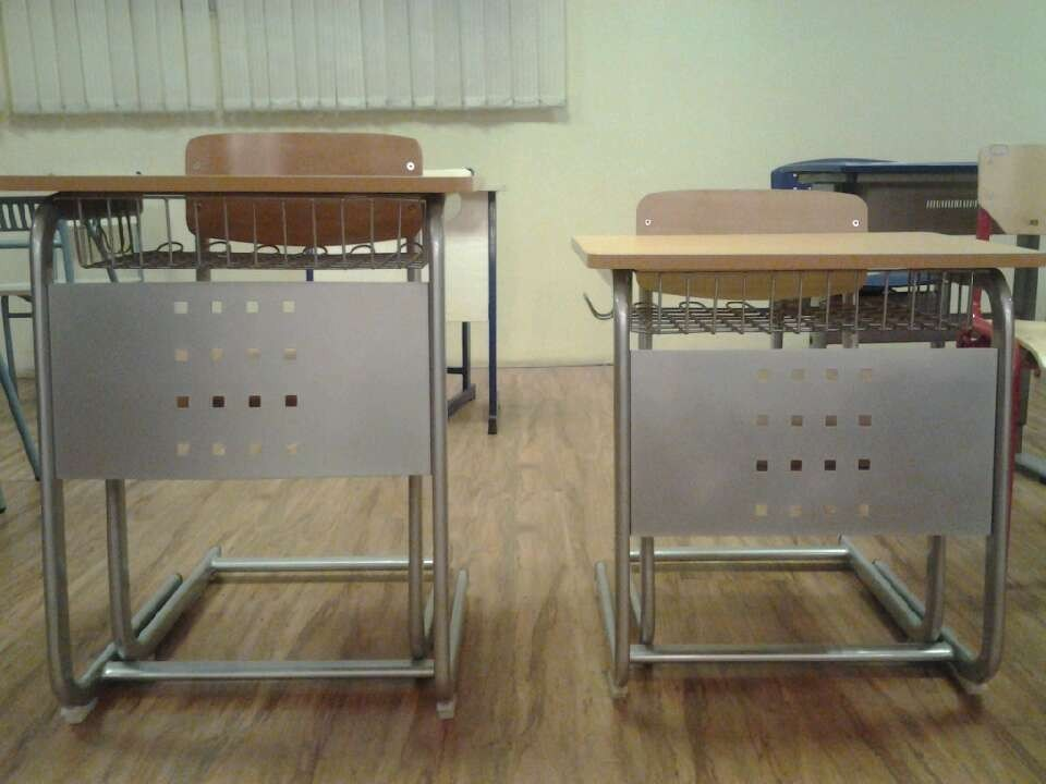 Primary School Classroom Sudent Desk Student Chair pictures & photos
