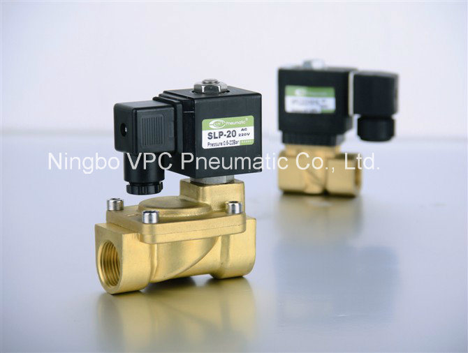 2W200-20 Brass Solenoid Valve 2/2 pictures & photos
