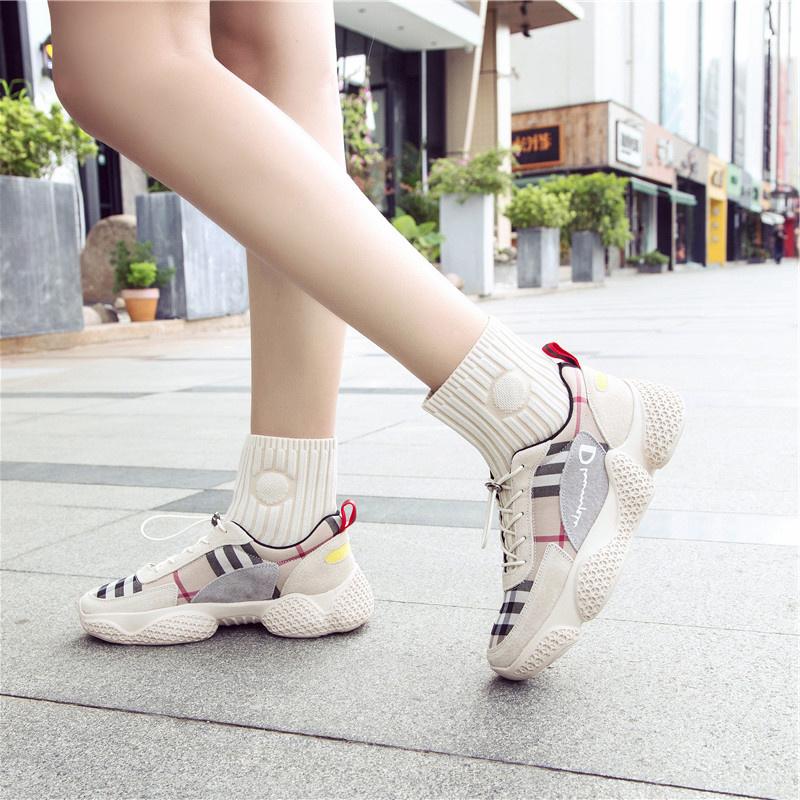 China Custom High Top Sneakers Socks