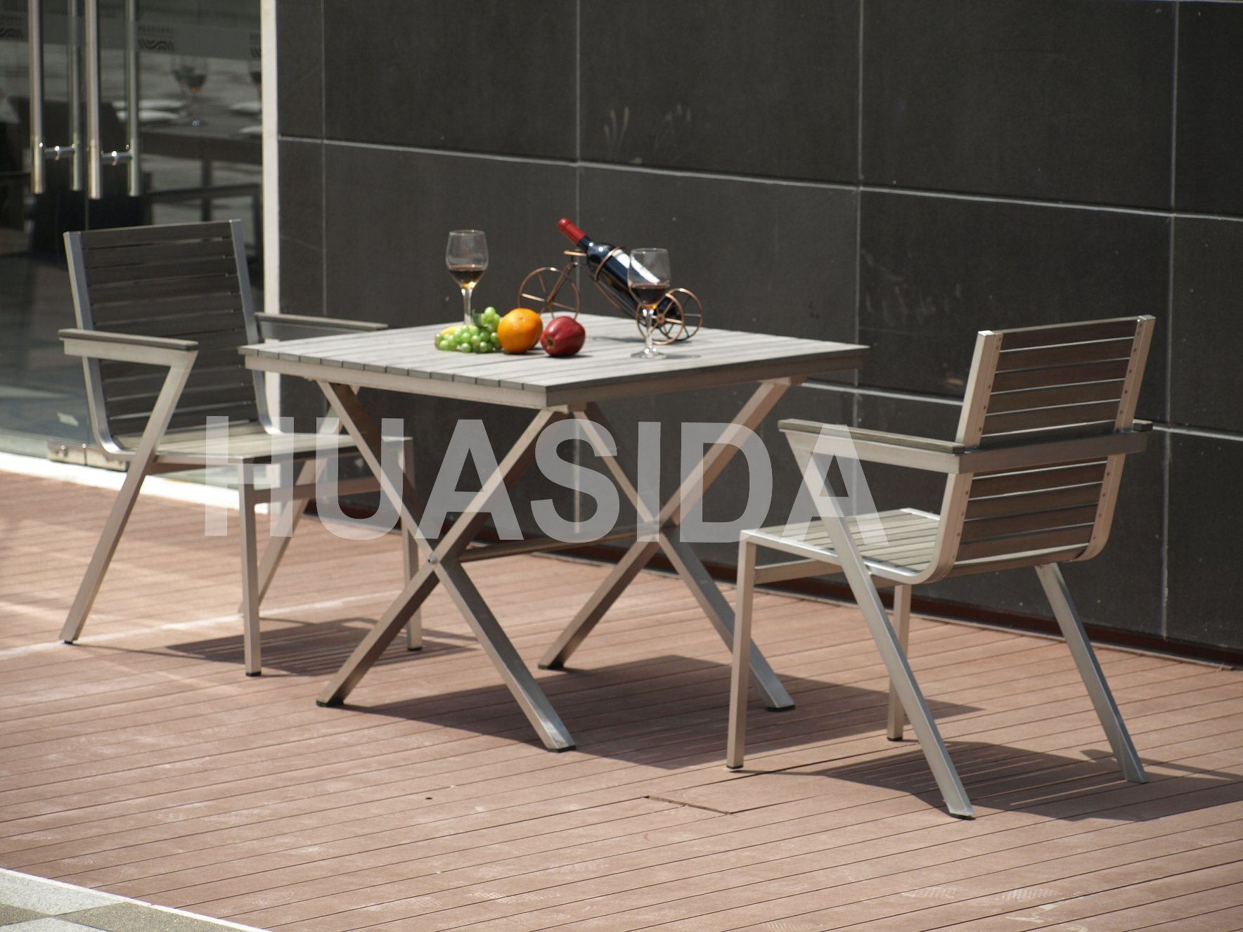 304 Glossy UV Resistant Stainless Steel Outdoor Dining Table Set