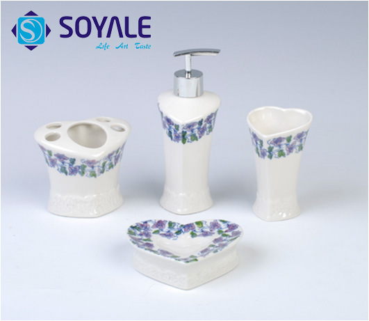 2015 blue and white porcelain new ceramic bathroom accessories set
