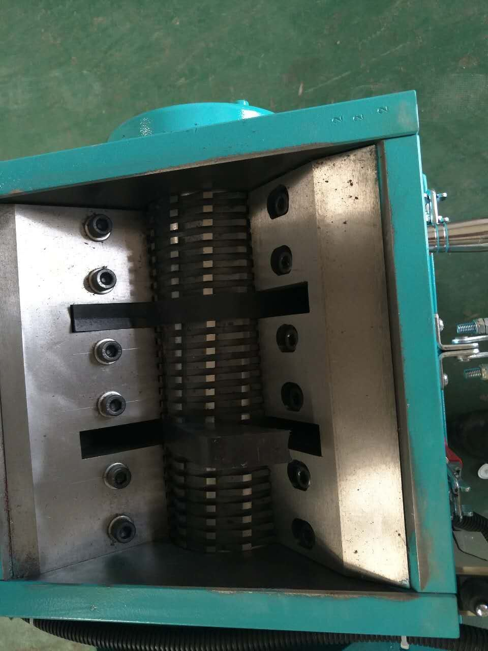 Slow Speed Plastic Crusher