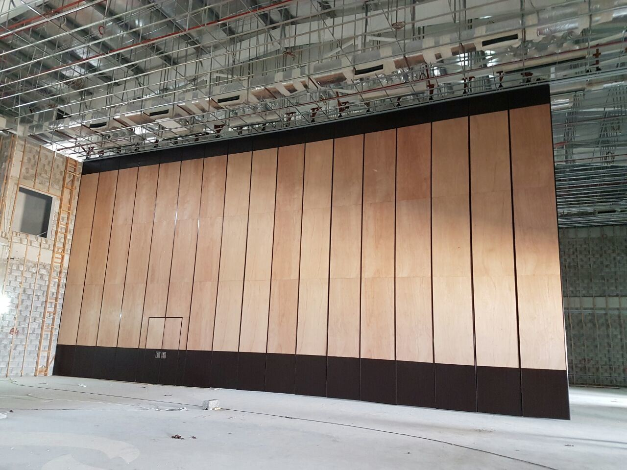 Acoustic Movable Partition Wall for Multi-Purpose Hall/Multi-Function Hall pictures & photos