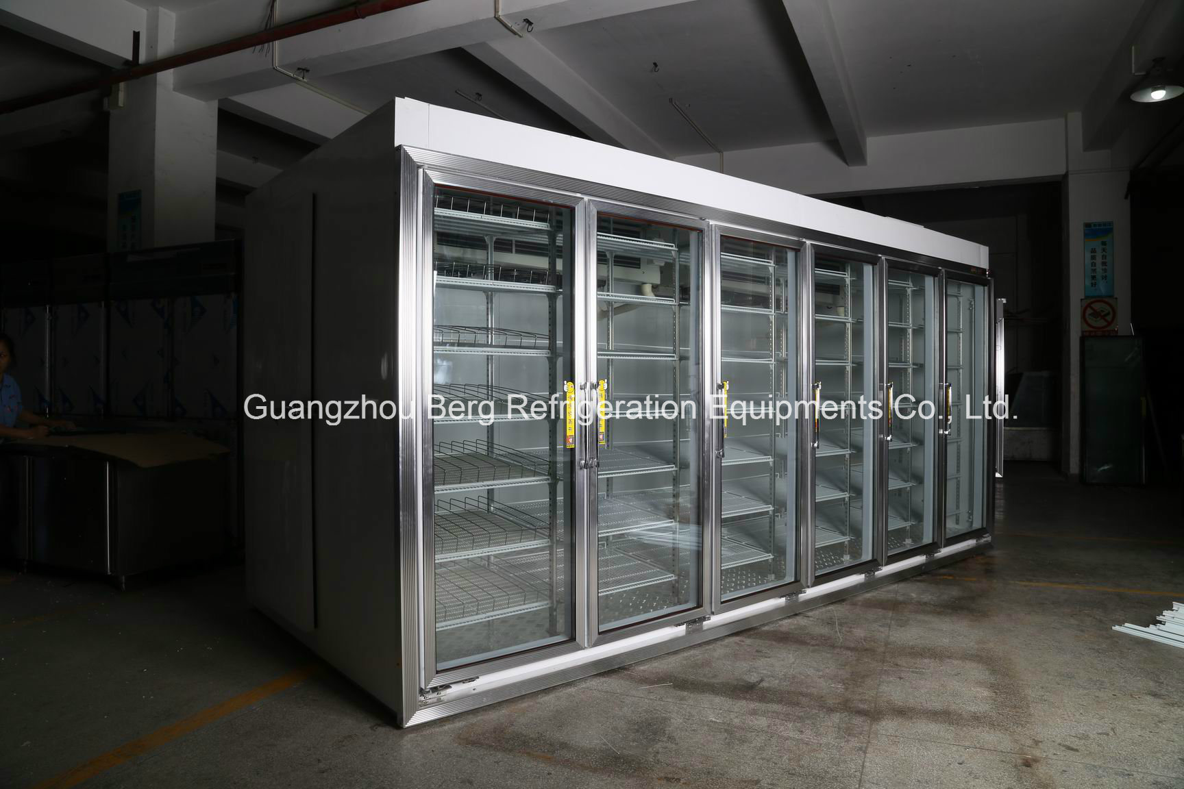 China Commercial Walk In Refrigerator With Electric Heated Glass
